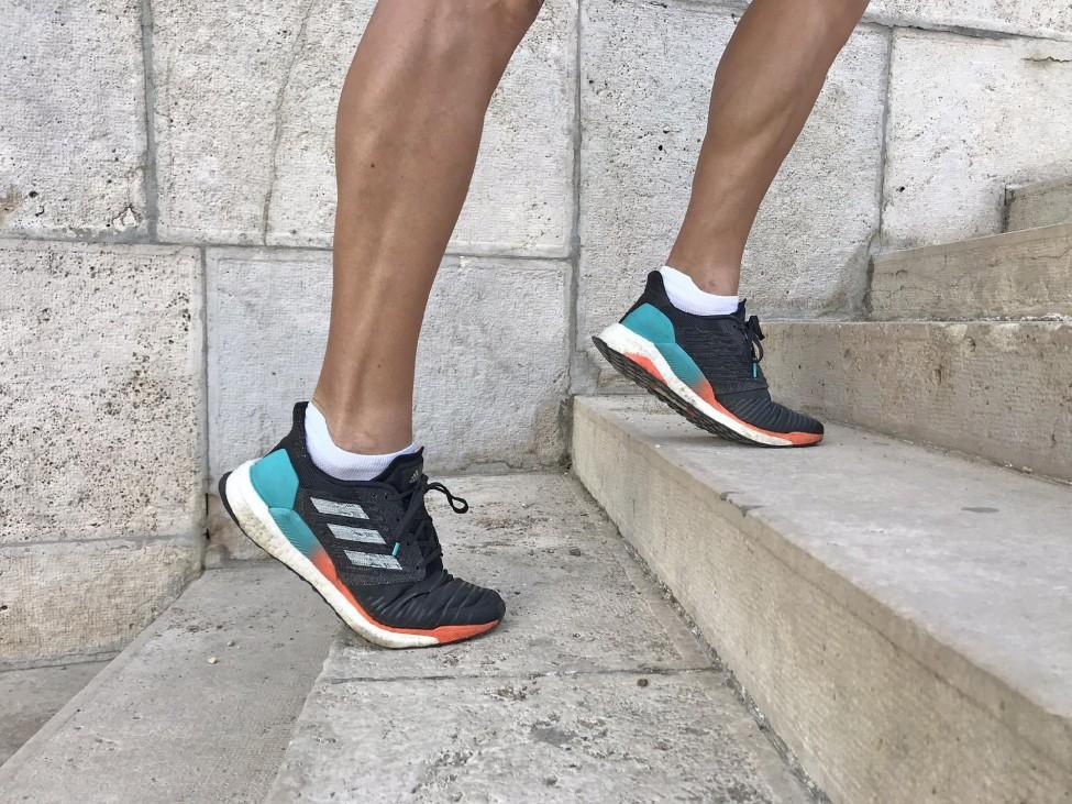 50831d2745 Futásról Nőknek - futócipő / Adidas SolarBoost, az Adidas technilailag  legfejlettebb futócipője jelenleg a palettán.